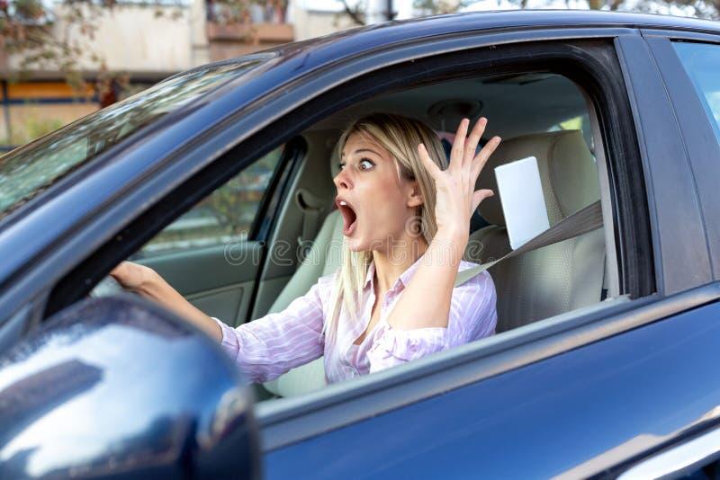 Motorista da virada travado na situação desagradável fotos de stock royalty free