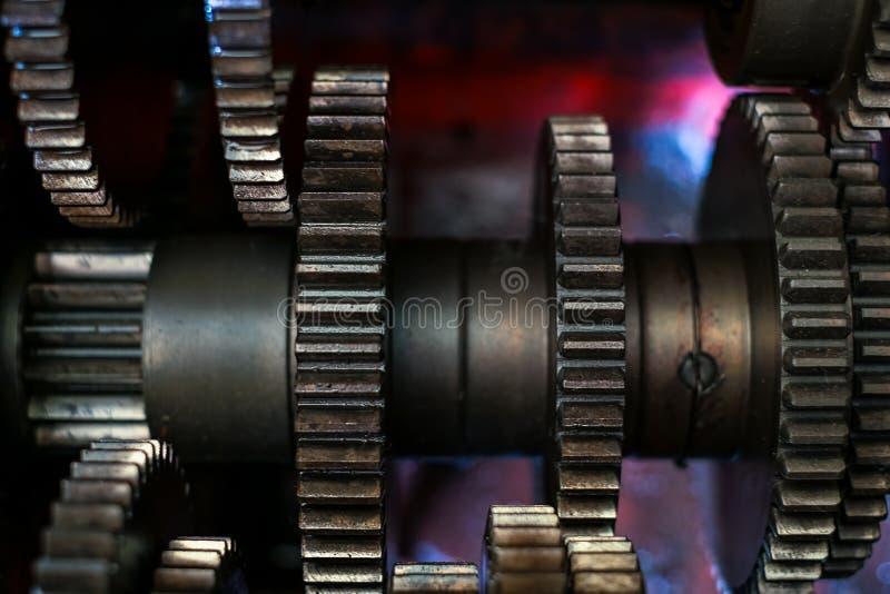 Motorkugghjulhjul, industriell bakgrund royaltyfri bild