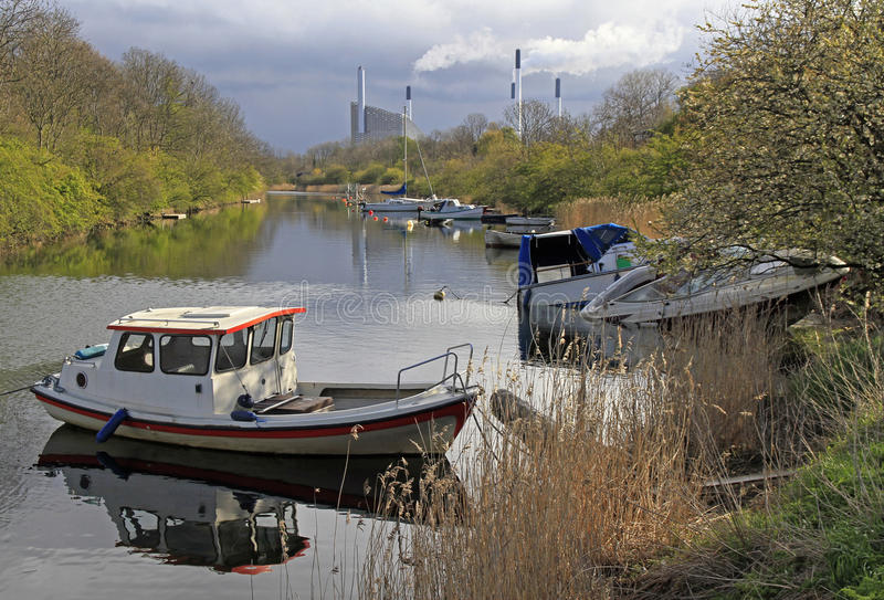 Motorowe łodzie na kanale w Kopenhaga obrazy royalty free
