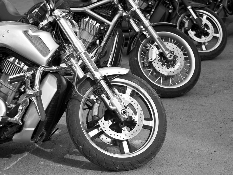 Motorräder auf den Straßen stockfotos