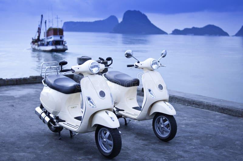 Motorräder Durch Das Meer Lizenzfreies Stockbild
