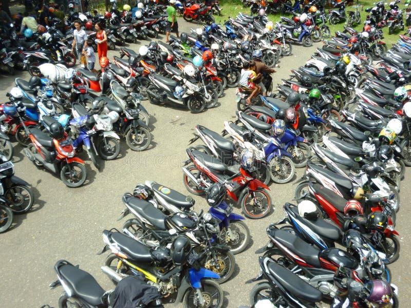 Motorräder geparkt stockfoto