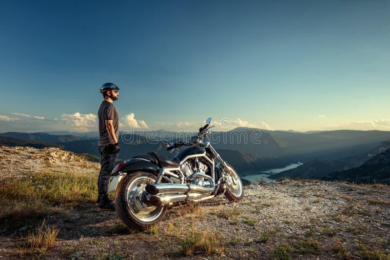 Motorradreiter stockfotografie