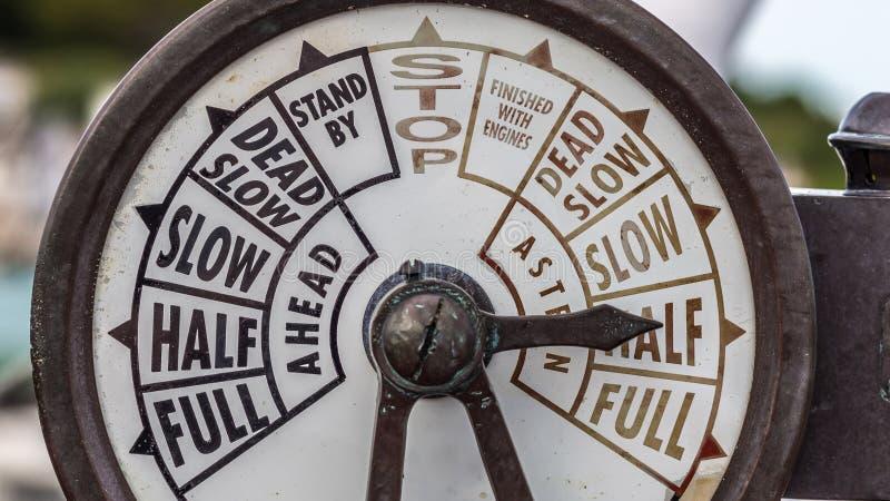 Motortelegraf från ett gammalt skepp fotografering för bildbyråer