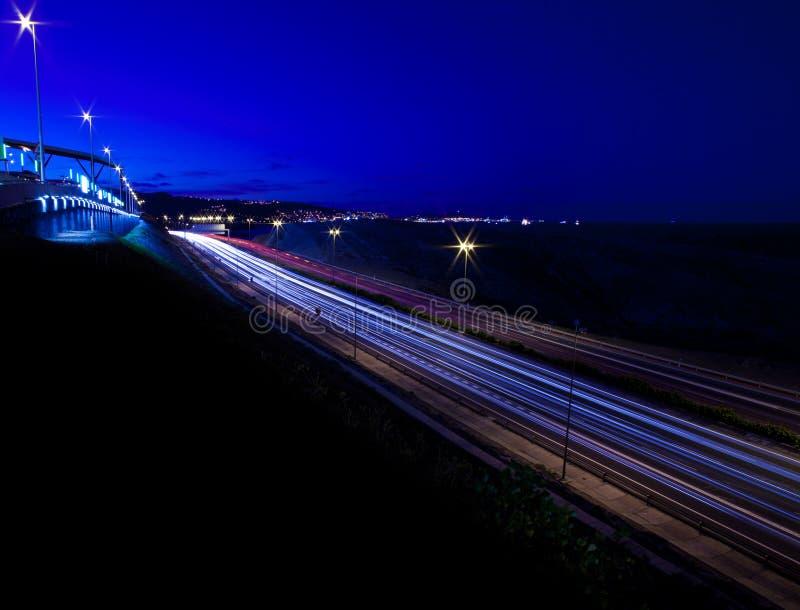 Motorway för Las Palmas på natten royaltyfri fotografi