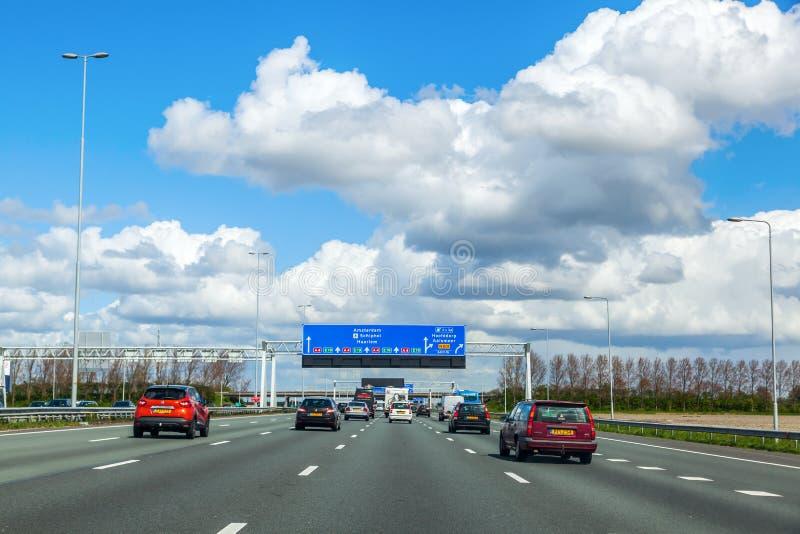 Motorway A4 i Nederländerna royaltyfria foton