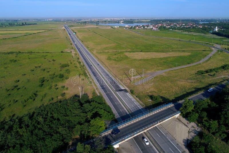 Motorway som ses fr?n ?ver fotografering för bildbyråer