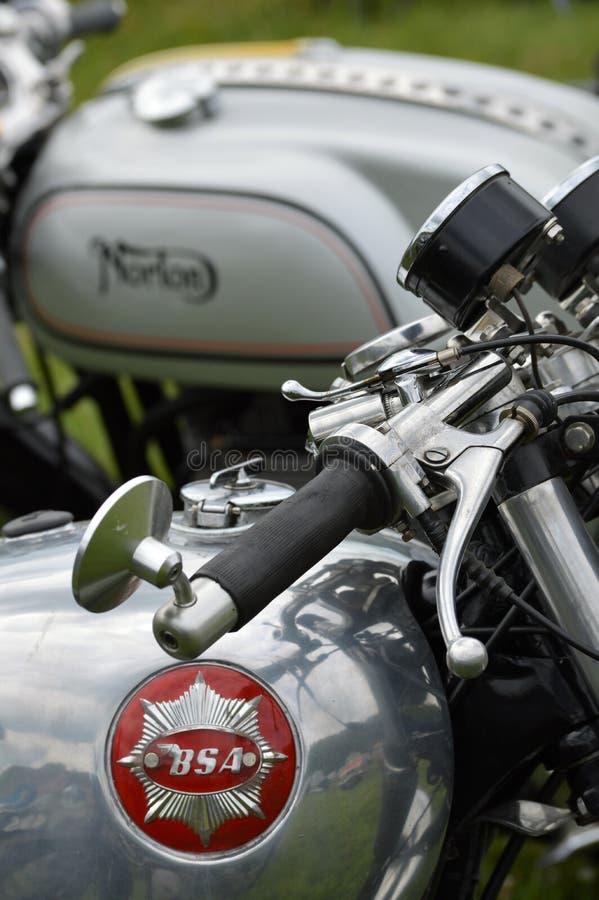 Motos classiques de BSA et de Norton photo libre de droits