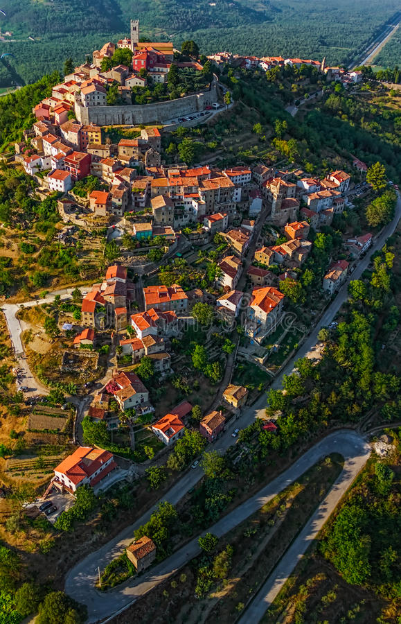 Motovun - Хорватия стоковая фотография rf