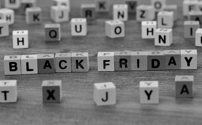 Mots de Black Friday sur la table photographie stock libre de droits