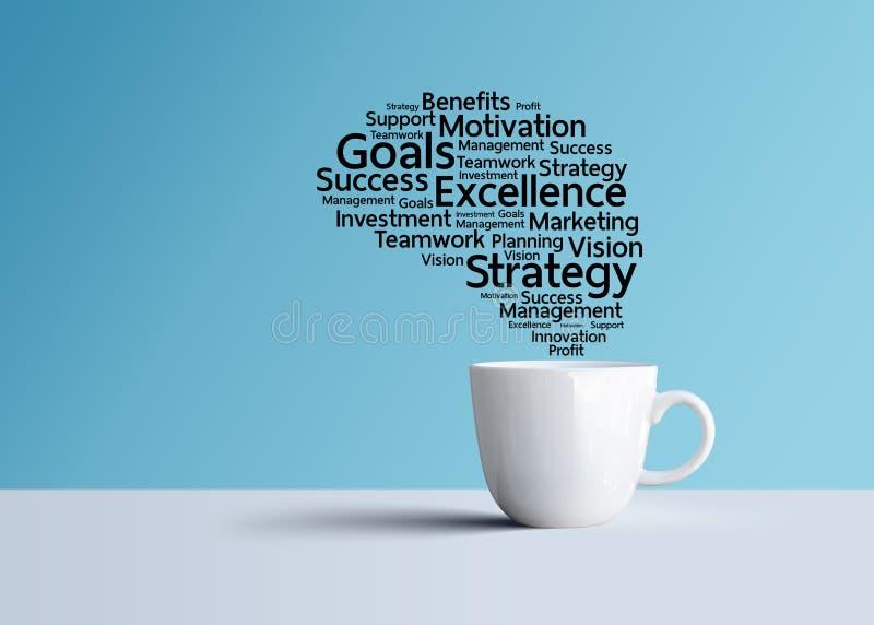 Mots de commercialisation réussis de plan d'action et de stratégie dans la tasse de café photographie stock