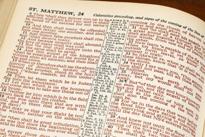 Mots du Christ en rouge de page de bible photographie stock libre de droits