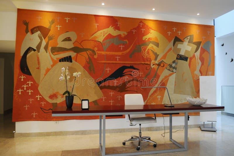 Mottagandeskrivbord på hotelllobbyen arkivbild