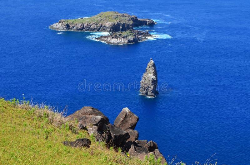 Motu Nui, Motu Iti和Motu Kau kau火山的小岛在Rapa Nui复活节岛 库存图片