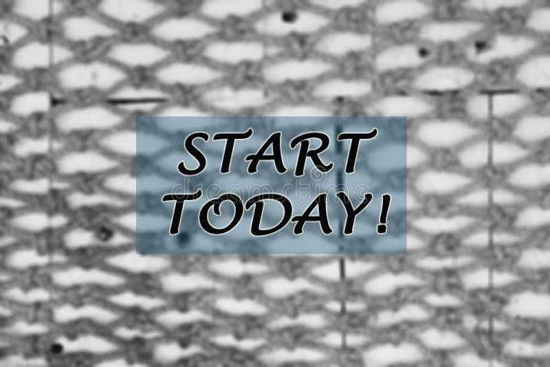Motywacyjny inspiracyjny notatka początek dzisiaj Z rozmytym tłem grupa arkany wiązać each w czarny i biały zdjęcie stock