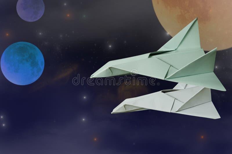 Mouche d'avion de l'espace pour découvrir de nouvelles planètes dans l'espace photos libres de droits
