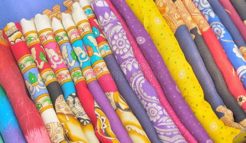Mouchoir coloré de boutique image stock
