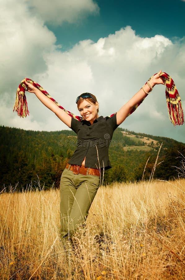 mouintain женщина outdoors стоковая фотография
