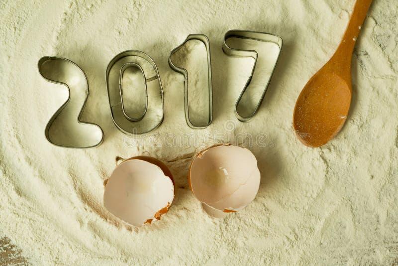 Moules de biscuit avec la date 2017 images libres de droits