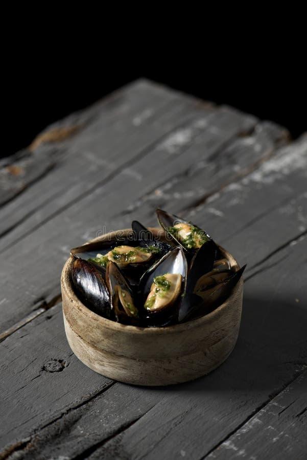 Moules mariniere,淡菜法国食谱  免版税图库摄影