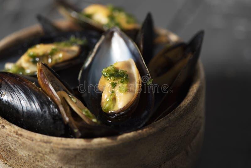 Moules mariniere,淡菜法国食谱  免版税库存照片