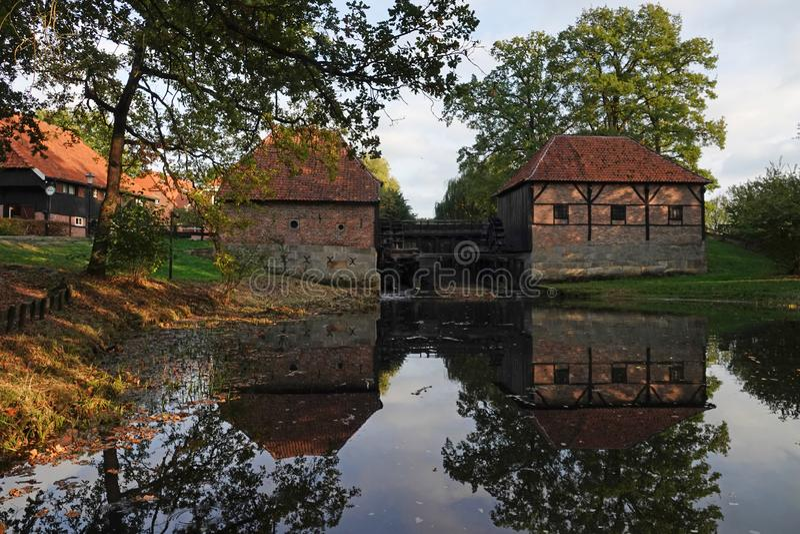 Moulin à eau d'Oostendorper dans Haaksbergen, Pays-Bas photo stock