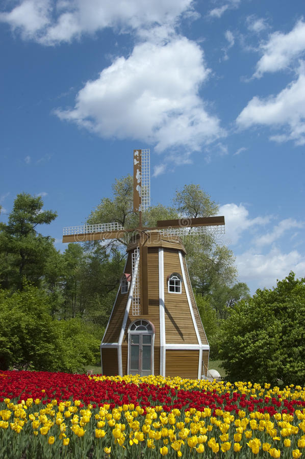 Moulin à vent photos libres de droits