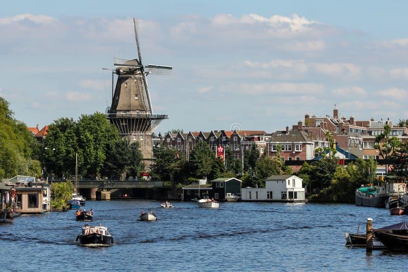 Moulin à vent d'Amsterdam images libres de droits
