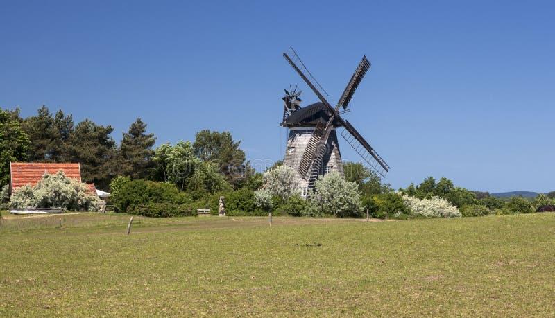 Download Moulin à Vent Dans Le Benz Sur L'île D'Usedom Photo stock - Image du architecture, bleu: 76089088