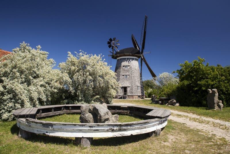 Download Moulin à Vent Dans Le Benz Sur L'île D'Usedom Image stock - Image du barrière, benz: 76089149