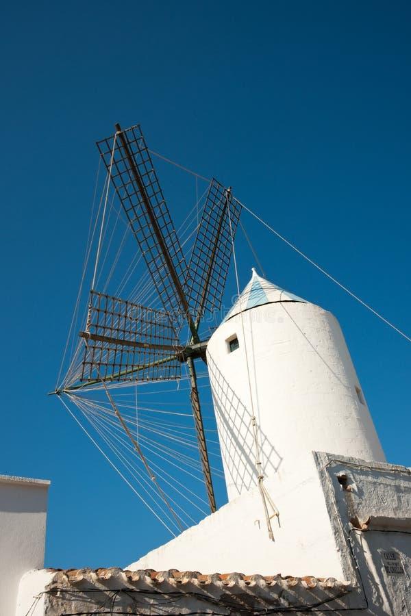 Moulin à vent de Sant Lluis photo libre de droits