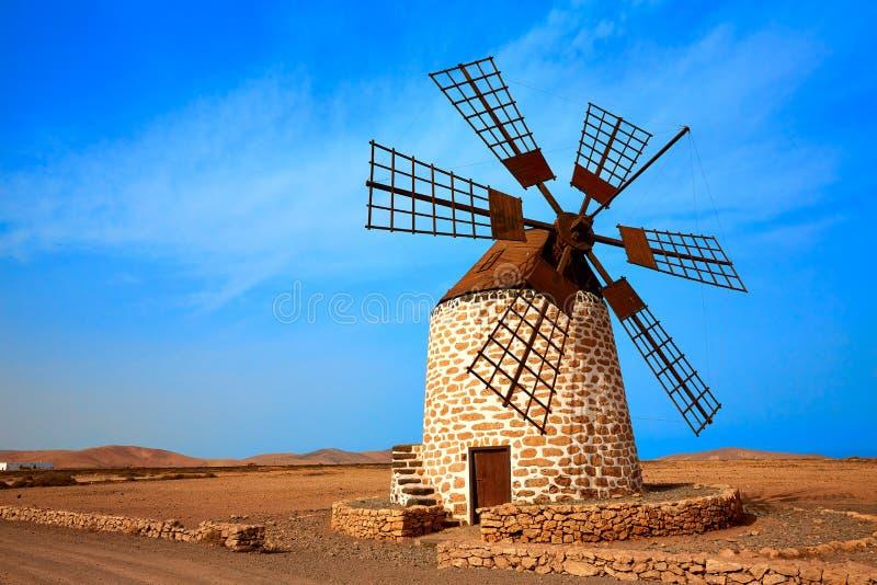 Moulin à vent Fuerteventura de Tefia aux Îles Canaries photos stock