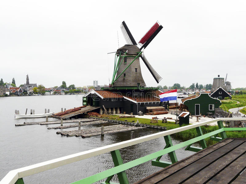 Moulin à vent hollandais images libres de droits
