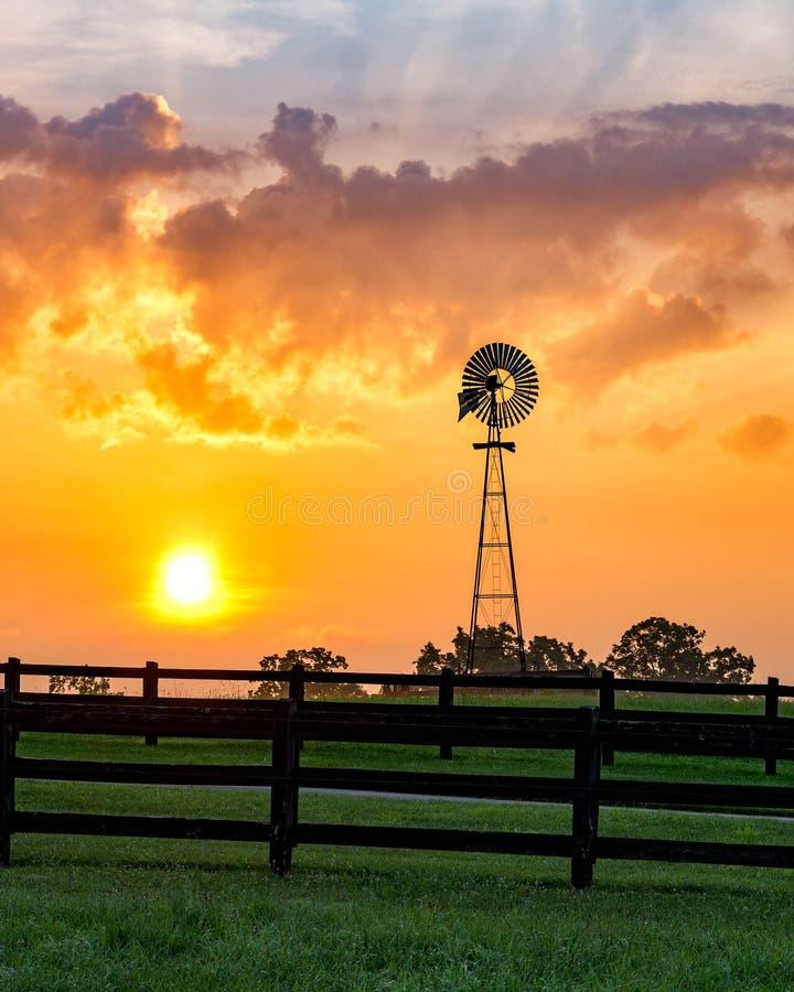 Moulin à vent, lever de soleil scénique, Tennessee images stock