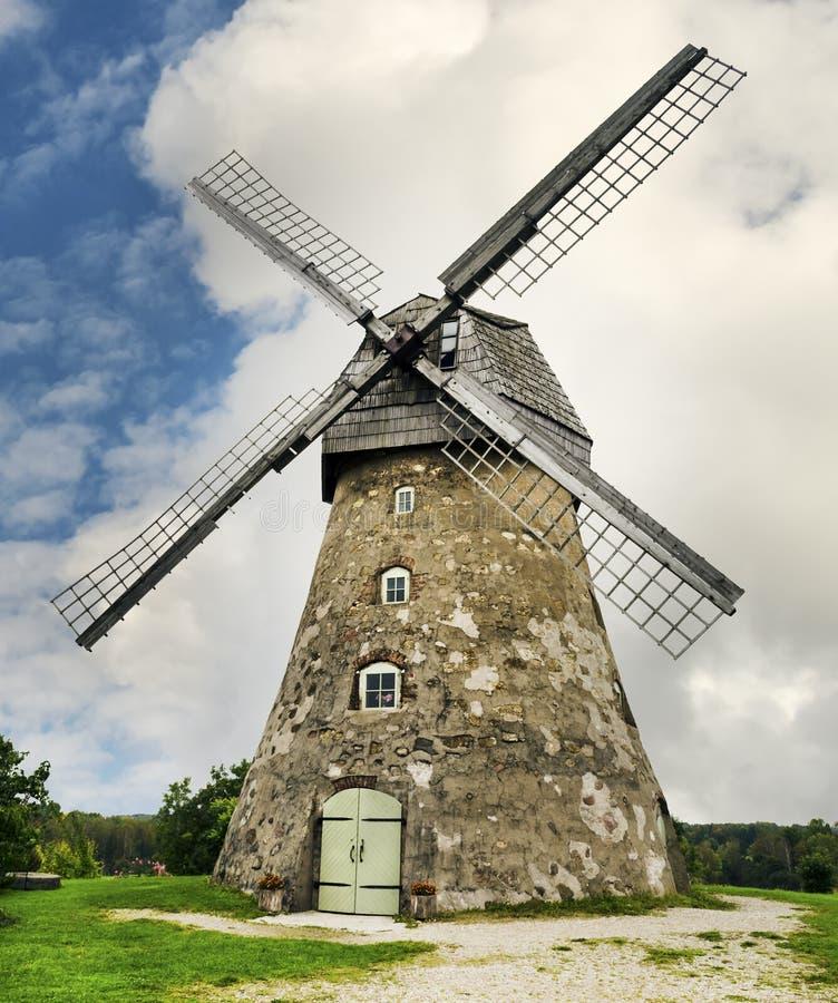 Moulin à vent médiéval image libre de droits