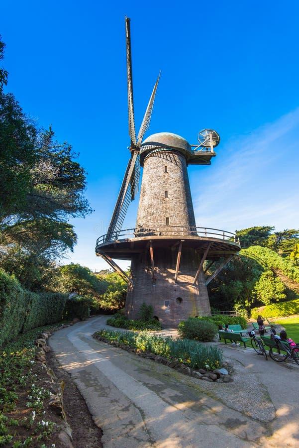 Moulin à vent néerlandais - Golden Gate Park, San Francisco photos stock