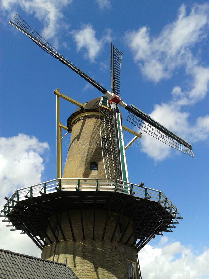 Moulin à vent néerlandais Hellevoetsluis image libre de droits