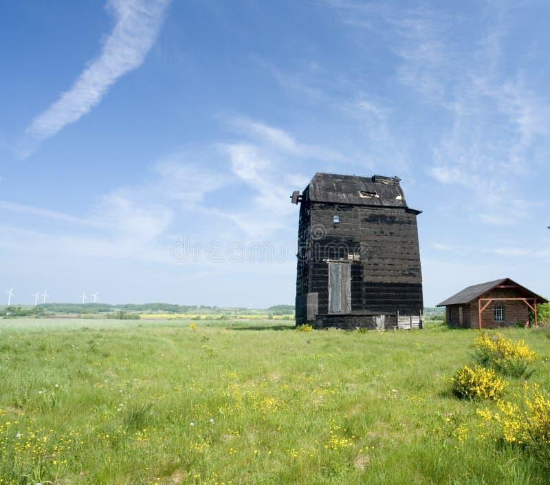 Moulin à vent, Sulimice, Pologne images stock