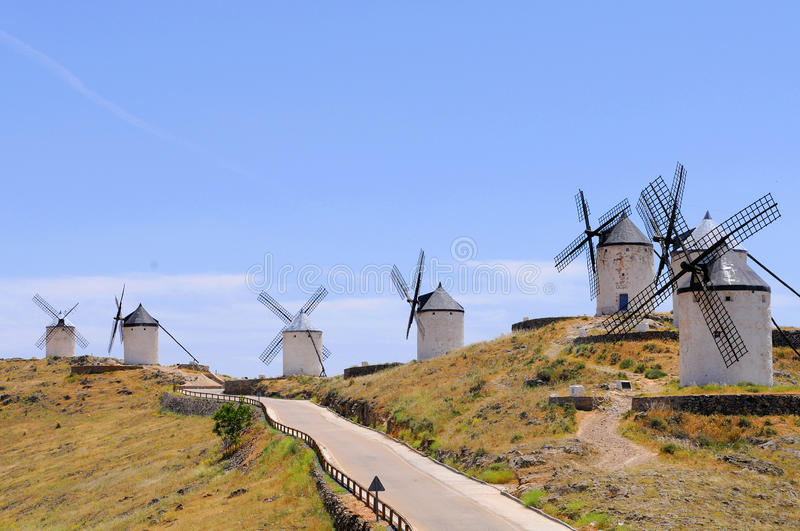 Moulin à vent traditionnel de l'Espagne image libre de droits