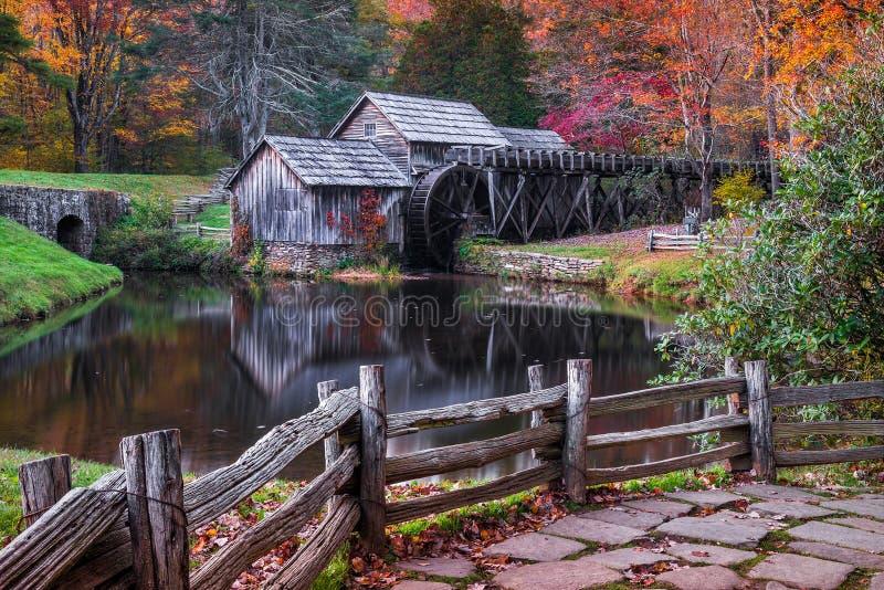 Moulin de Mabry, Ridge Parkway bleu, la Virginie photographie stock