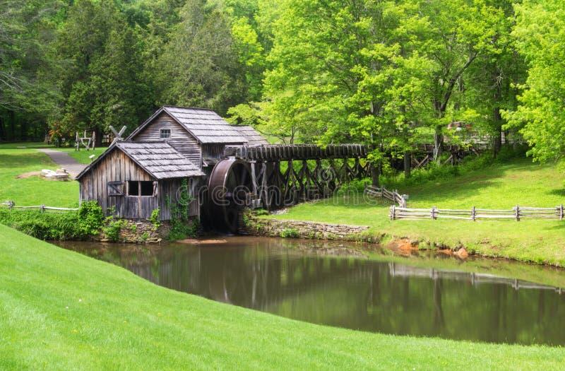 Moulin de Mabry sur Ridge Pakway bleu photographie stock