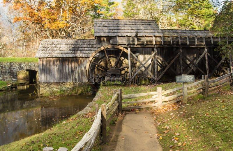 Moulin de Mabry - vue de côté photo libre de droits