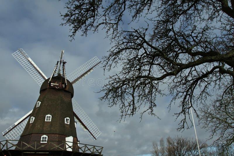 Moulin de vent dans Horsholm, Danemark images stock
