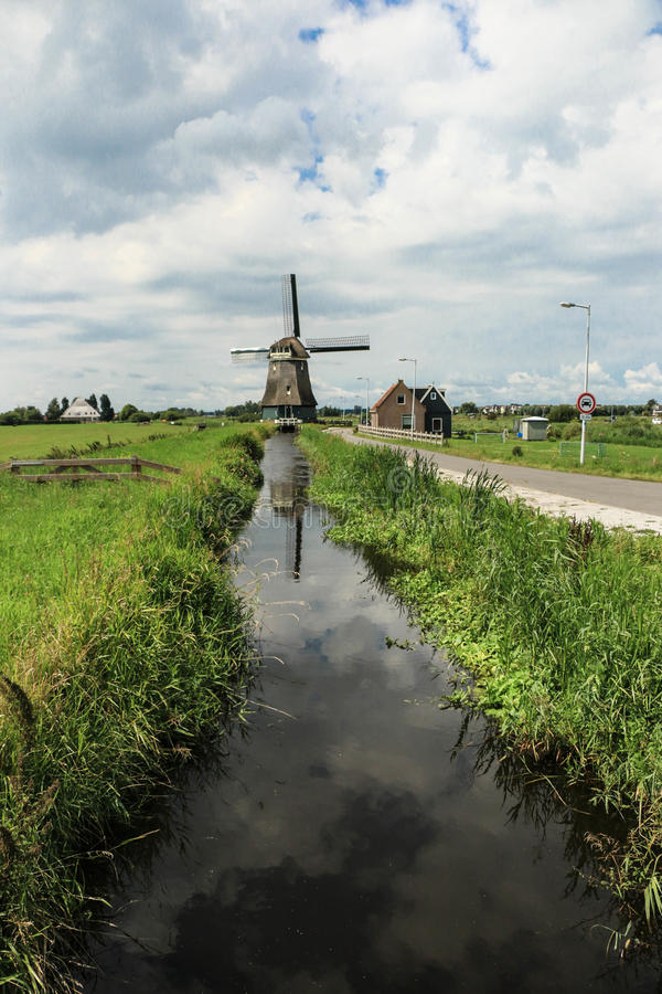 Moulin de vent en été d'Amsterdam photo stock