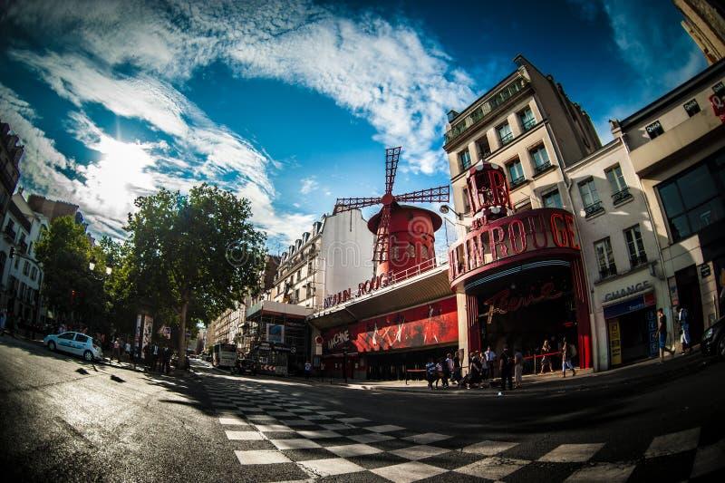 Moulin Rouge a Parigi fotografie stock