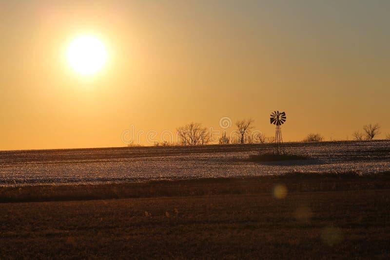 Moulins à vent, après présent et futur image stock