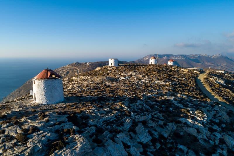 Moulins à vent d'île d'Amorgos photos libres de droits