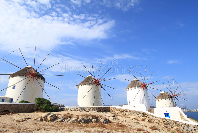 Moulins à vent d'île de Mykonos image stock