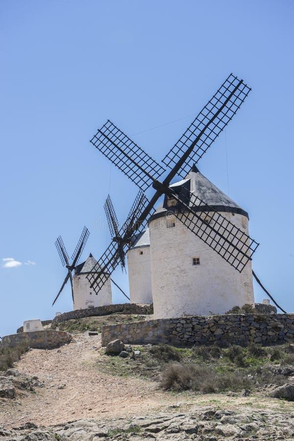 Download Moulins à Vent De Consuegra à Toledo, Espagne Ils Ont Servi à Rectifier Le GR Image stock - Image du bleu, cervantes: 76079007