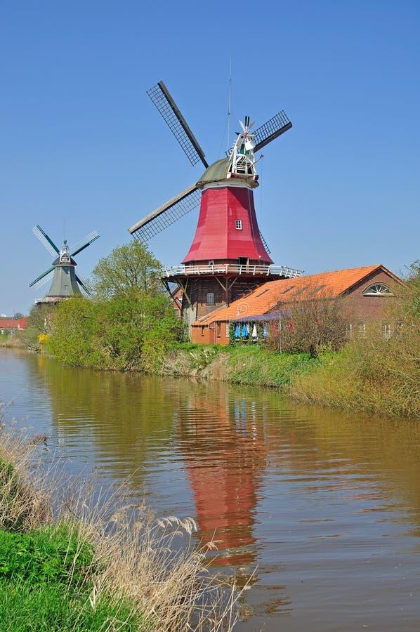 Moulins à vent de Greetsiel photographie stock libre de droits